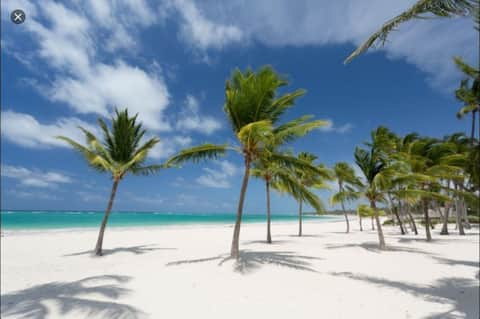 WhiteSands Beach, Two Bedroom Apt - Carey