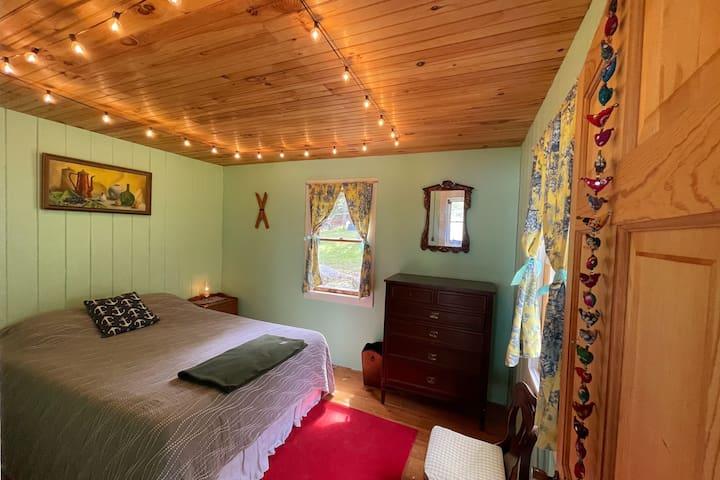 Queen Bedroom Inside