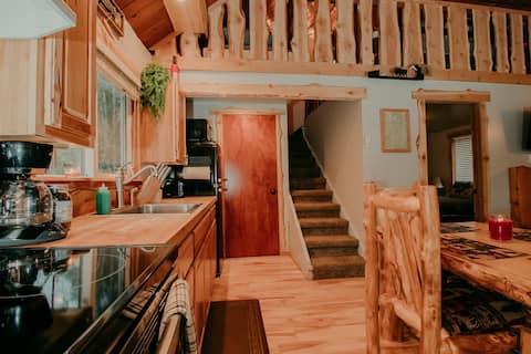 Elk Track Cabin - Private Retreat