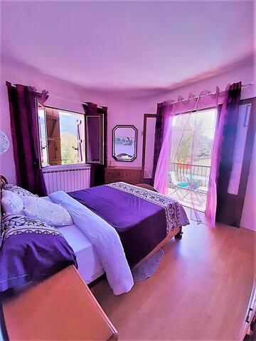 chambre avec vue de montagne avec terrasse