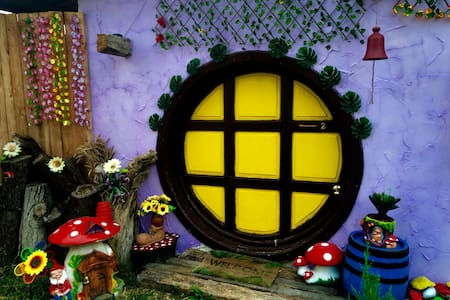 Ograda cu Povești themed houses SH