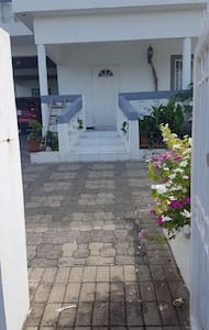 Entrance to house using the walking in gate.