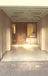 entrance to the building without stairs
