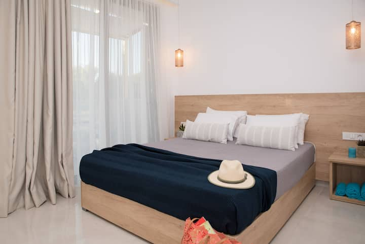 Aphrodite Studios -  2 bedroom Suite 5+1 guests