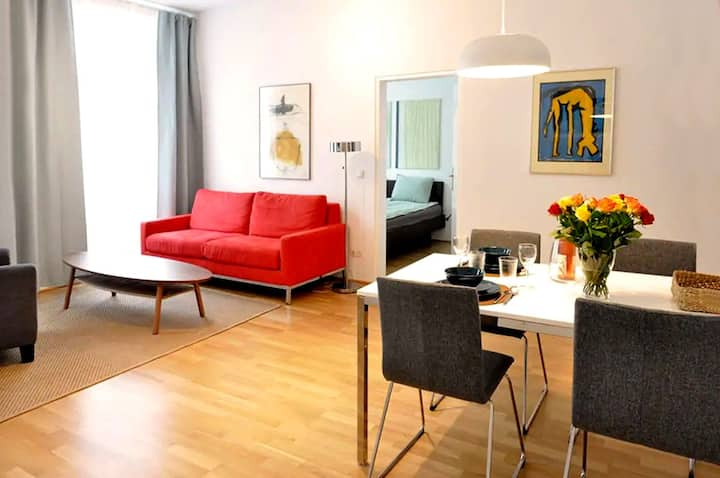 Renovated Classical Viennese Flat at Augarten-Park