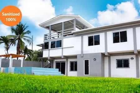 Casa de Playa Esmeraldas #2,  Puerto Cortes