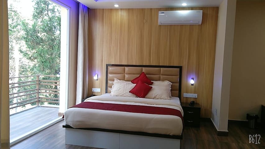Super king size beds and hot Air conditioner from Blue star is an another facility which makes rooms  hot and comfortable during the  winters.