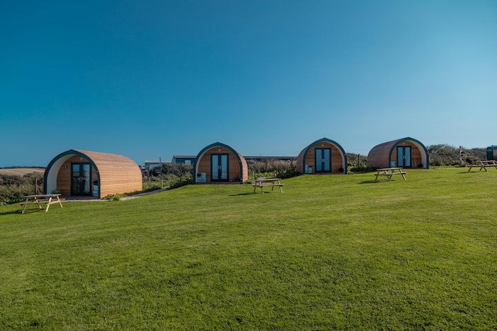 Luxury Glamping Pods (pet friendly), Mawgan Porth