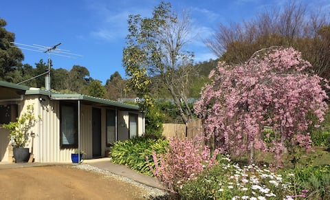 Snug Cottage: A Tasmanian haven