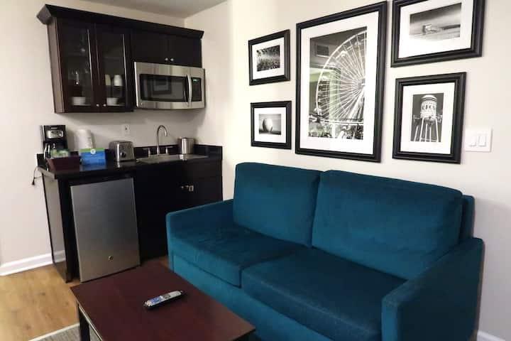 1 Bedroom Suite in the Heart of Anaheim