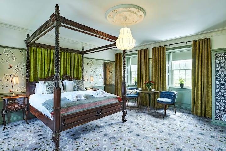 Monkstadt 1745 - Luxury Lodge Lady Margaret Suite