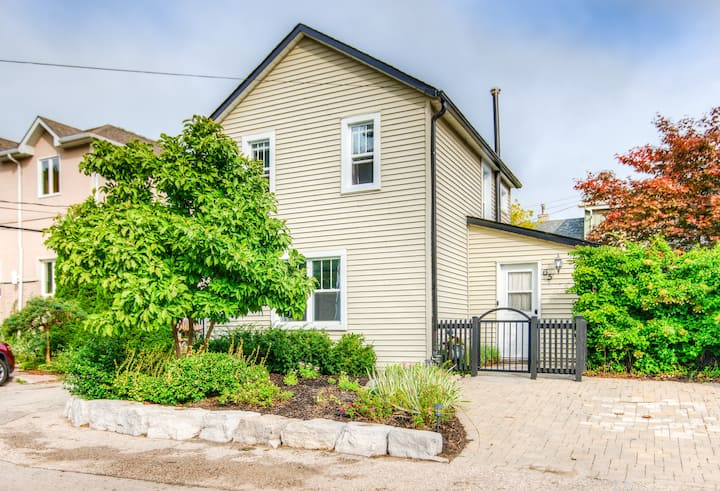 Entire 2+Br House in❤️of Elora, 5min walk to Mill!