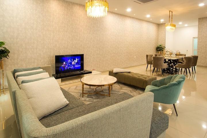 Batu Pahat Love Suite, Spacious Area with Karaoke
