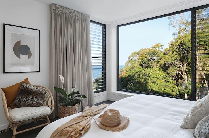 Master Bedroom / ocean view
