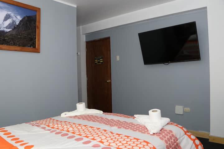 HOTEL ALPAMAYO COMODAS  Y MODERNAS HABITACIONES