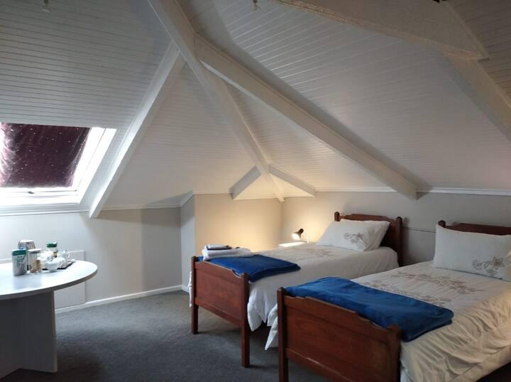 Rodeberg Lodge Room #5