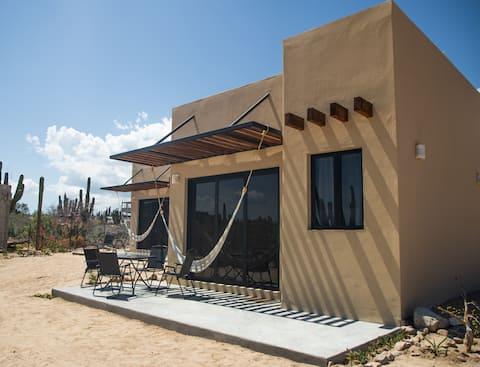 "Private studio 5min to the beach ""Desert Wind #1"""