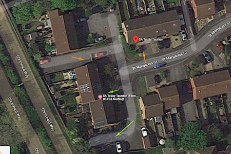 The GREEN arrows shows available parking spaces for this property.