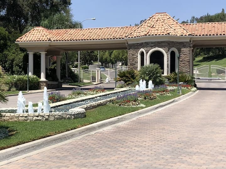 Private Room in Calabasas Villa - NO CLEANING FEES