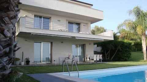 villa apartment with pool