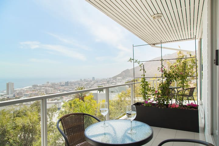 Ocean Hills Guest House With Balcony And Views