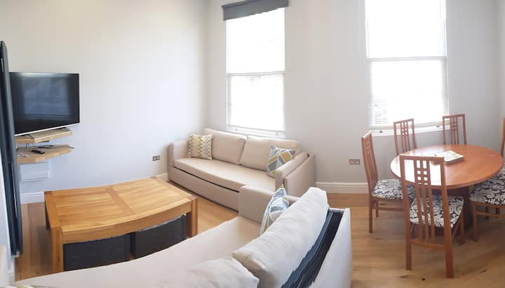 2 Bedroom Apartment - Close to Town Centre