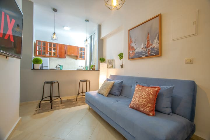 Homey Studio ⚡️Downtown \Free Netflix  3 Min walk 🌊