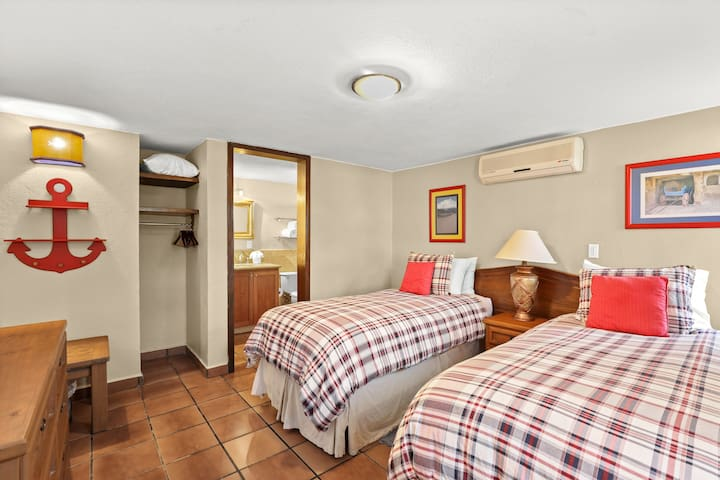 Fourth Bed Room has either two twin beds OR one king-sized bed! (Ensuite full bath, as well!) No bedrooms share walls, which creates a lovely sense of privacy!