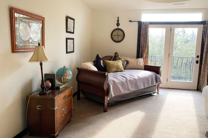 This two-room suite, with the capacity to sleep 4 guests... This suite has a queen-size bed with a private bathroom. This suite has a private parlor with a twin trundle bed & a private bathroom.