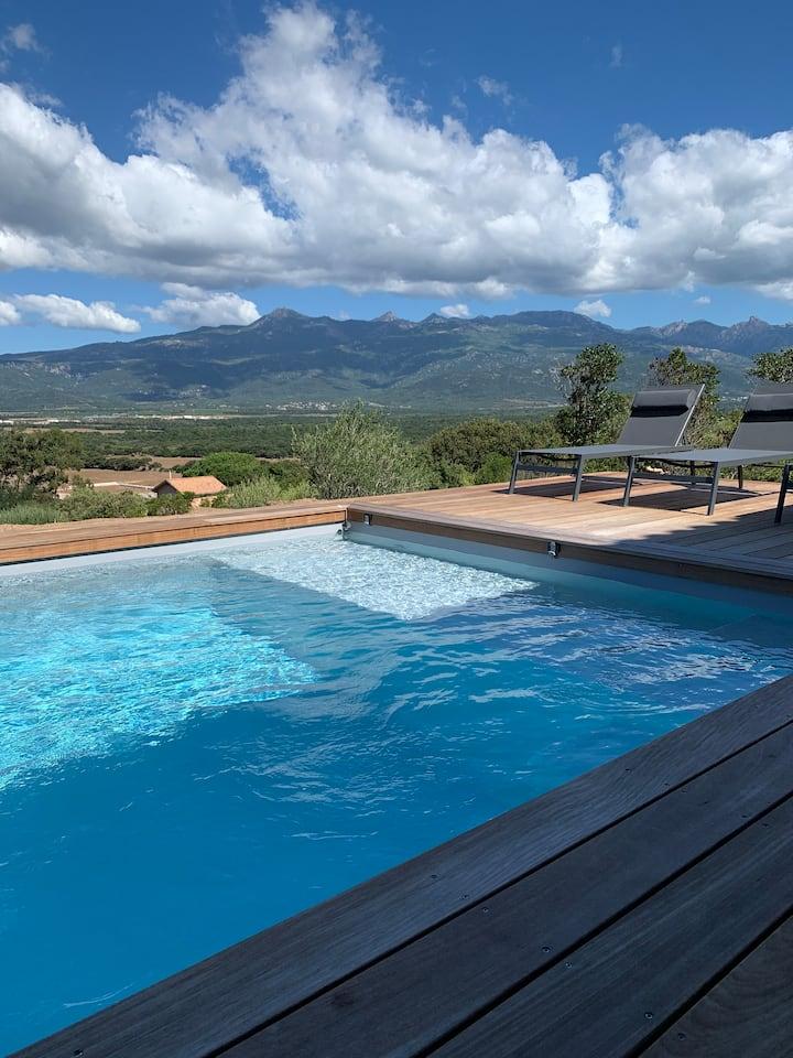 Villa avec piscine vue panoramique