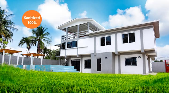 Casa de Playa Esmeraldas #1, Puerto Cortes