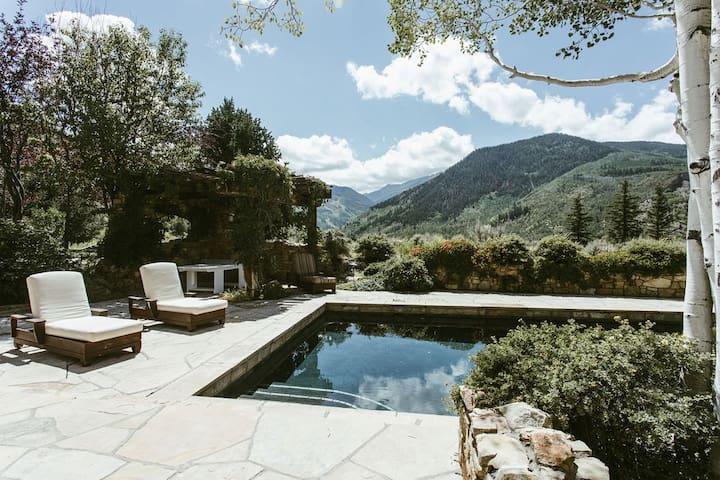 Private Luxury Aspen Ranch w/10,000 sq ft Home