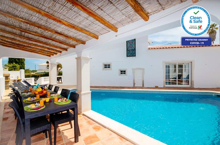 WONDERFUL VILLA HEATABLE POOL,FREE WIFI,& AIR CON