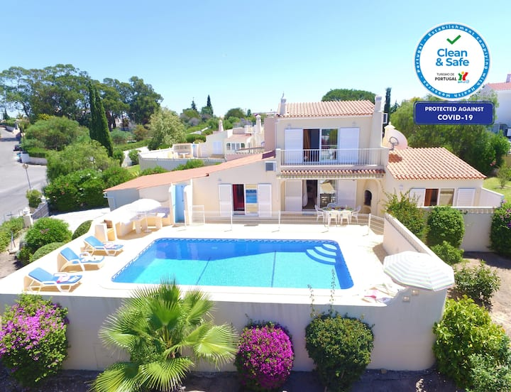 SUPERB VILLA, EXCEPTIONAL SEA VIEWS HEATABLE POOL