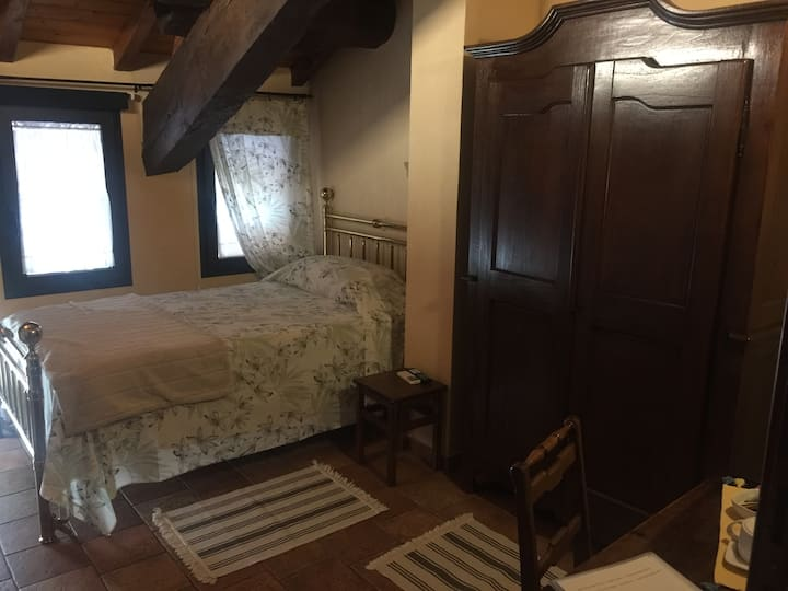 "Corte Bebbi - B&B - Single Room ""Fienile"""