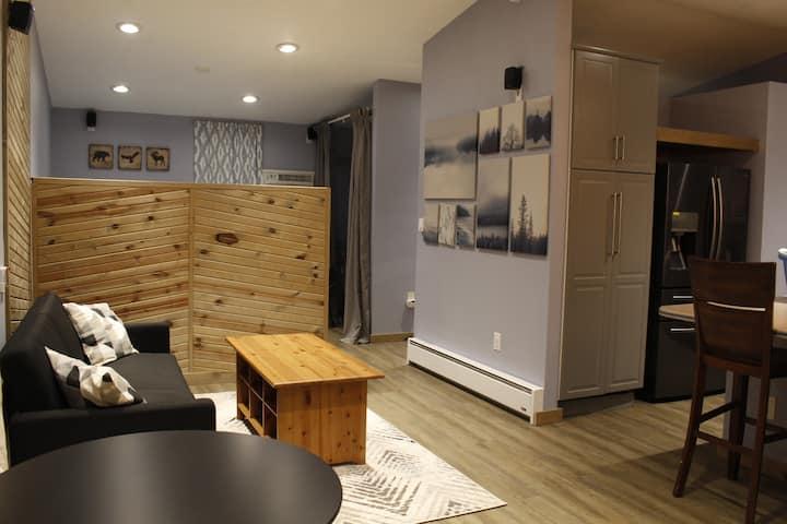 Private Studio in Heart of Aurora