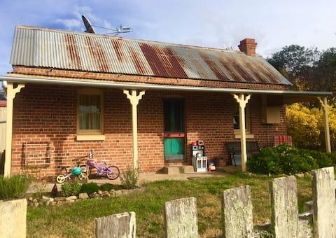 Old Springrange Cottage