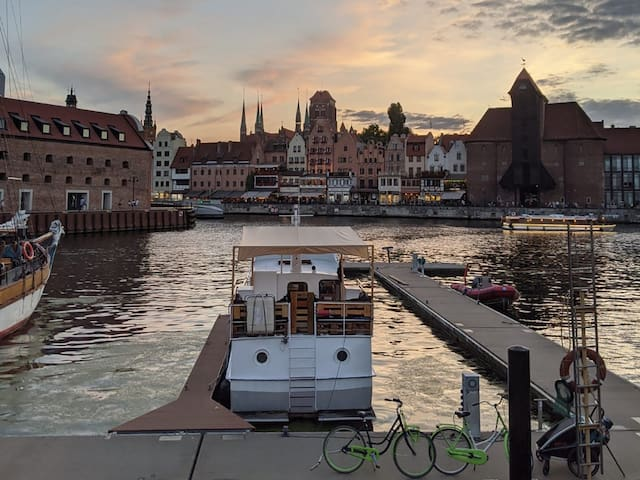 Unique stay at Houseboat in Gdansk Old town marina
