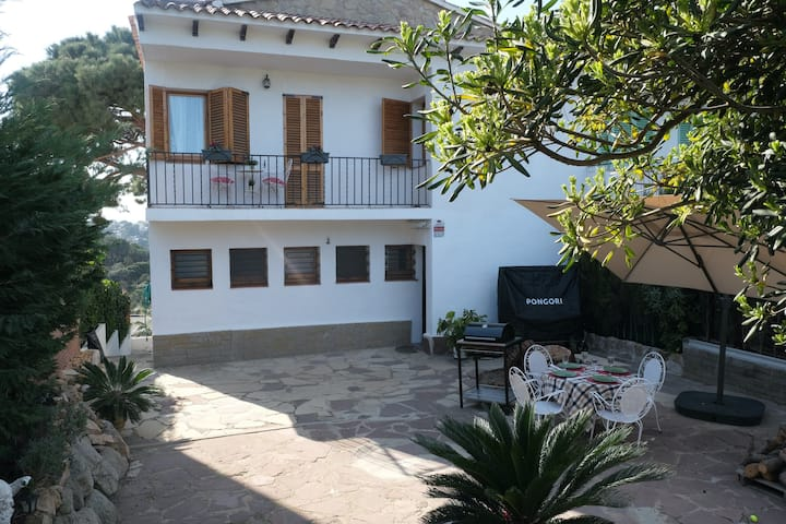 Amazing and Spacious house in Cala Canyelles.