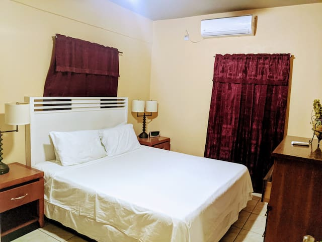 Bedroom #1 - Air Conditioned  and comfy King Sized Bed.