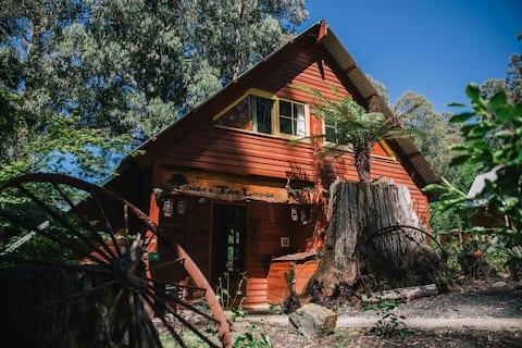 Timber Top Lodge in Tanjil Bren near Mt Baw Baw