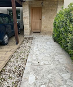 Wide and level path to front door
