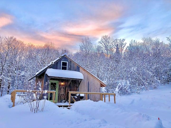 Off Grid Romantic Cabin near Sugarbush ski resort