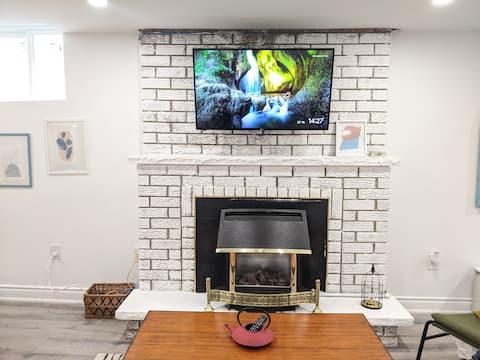 Bright & Cozy Apartment Suite near Toronto Airport