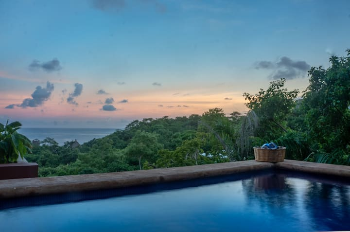 Stylish 3 Level Retreat W/Private Pool in Zipolite