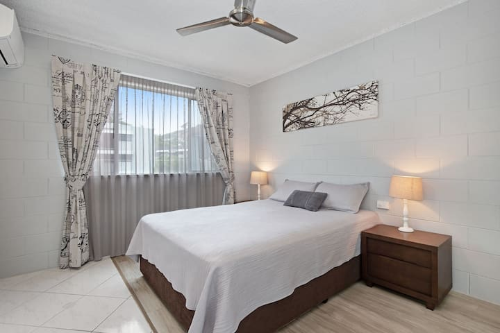 Second bedroom with comfortable queen bed and new split aircon for a good nights sleep. Also has a new wardrobe with plenty of hanging space & coat hangers.
