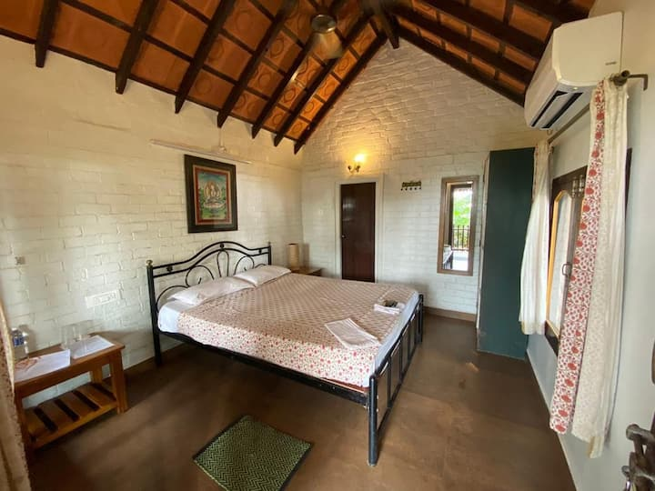 OmBodhi-Beach View Cottage, Kumta (Gokarna)