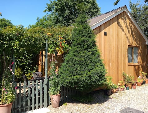 Little Gatehouse - a cosy country cottage for two