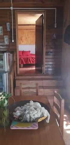 acceso dormitorio 2 (escalera 4 peldaños)