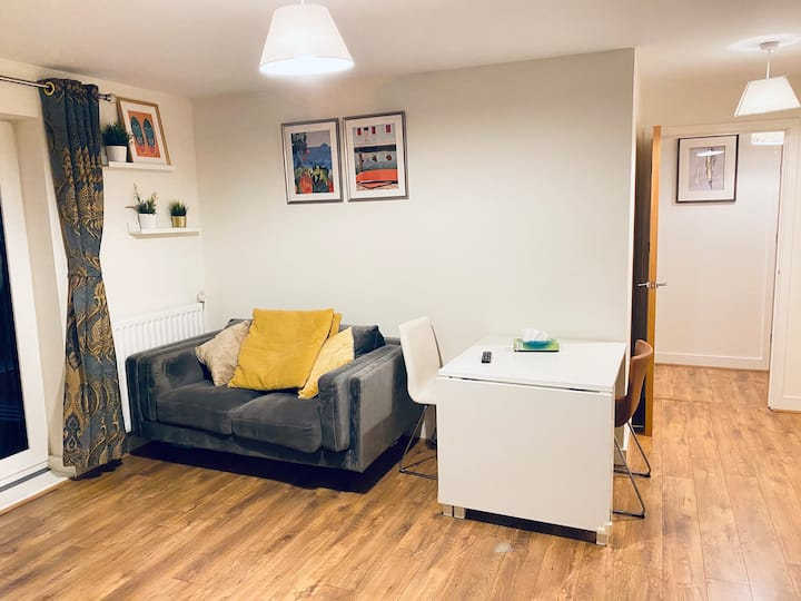 Modern Two Bedroom near Greenwich O2 Arena / Excel